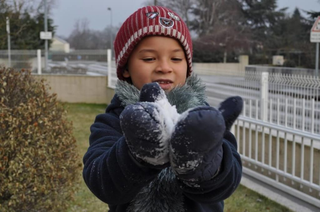 aspergers mael autism story holding snow